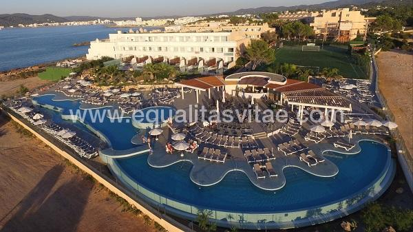 imagen principal de HOTEL SIRENIS SEAVIEW COUNTRY CLUB
