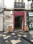 imagen de Entrada accesible de Vinos y Delicatessen Carmen y Gloria, Tudela.
