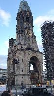 imagen de Iglesia Memorial Kaiser, Berlín, accesible a través de rampa.