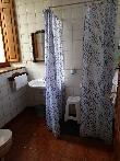 imagen de Ducha a cota cero con taburete de ducha. Hotel rural Días de Luna. Imagen facilitada por el propio hotel.