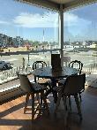 imagen de Mesa que permite acceso frontal a usuarios en silla de ruedas. Hotel Abba Playa Gijón.