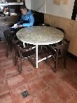 imagen de Mesa redonda con travesaño inferior, Xume Taberna, Idiazábal, Guipúzcoa.