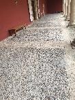 imagen de Tipo de pavimento empedrado en el Patio de los Leones
