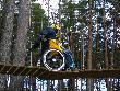 imagen de Uno de los retos a realizar en el parque de aventuras con silla de ruedas.