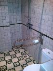 imagen de Baño con ducha a cota cero en Casa Rural Santa Petronila