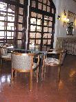 image of Mesas de la zona de cafetería