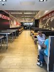 imagen de Zona restaurante, con amplios espacios de paso y zonas de giro.