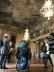 imagen de Uno de los salones del palacio con grandes espacios.