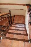 imagen de Escaleras con contraste cromático.