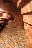 imagen de Amplios pasillos durante el recorrido del santuario.