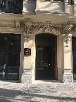 imagen de Entrada al hotel Room Mate Gerard de Barcelona.