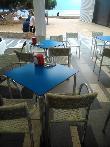 imagen de Terraza con mesas accesibles.